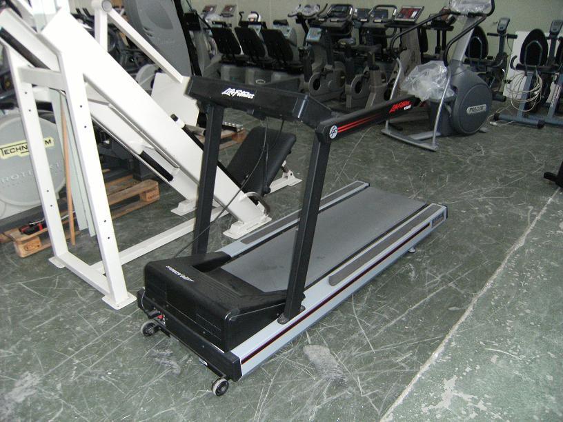 life fitness 9100 hr flexdeck laufband zustand gut. Black Bedroom Furniture Sets. Home Design Ideas