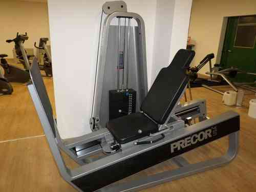 beinpresse precor leg press maxx fitnessger te. Black Bedroom Furniture Sets. Home Design Ideas